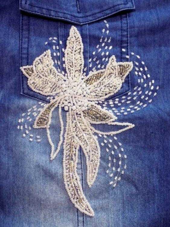 расшитая бисером джинсовая рубашка