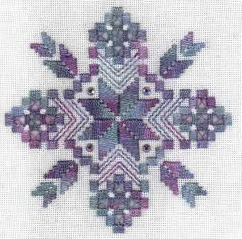Новогодняя вышивка хардангер снежинка