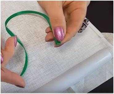 как закрепить ленту на ткани